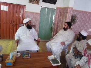 Shams ud Deen meets Molana Ilyas Ghuman2