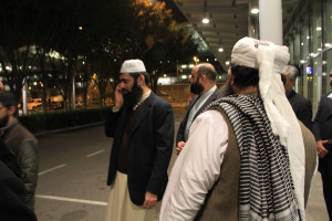 Molana Ilyas Ghuman hon kong airport welcome (10)
