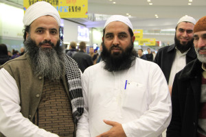 Molana Ilyas Ghuman hon kong airport welcome (2)