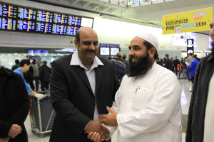 Molana Ilyas Ghuman hon kong airport welcome (5)
