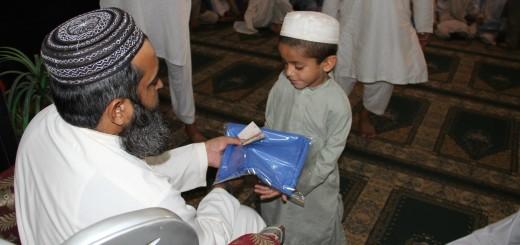 Eidi at Markaz Sargodha for Students (4)